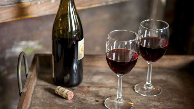 Kutatások bizonyítják, a sör, a bor és a pálinka jótékony hatásait